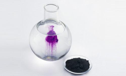Правила приготовления антисептического средства: порошок перманганата калия следует разводить в теплой воде