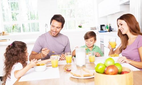 Здоровое питание позволит родителям уберечь детей от физиологической или патологической поллакиурии