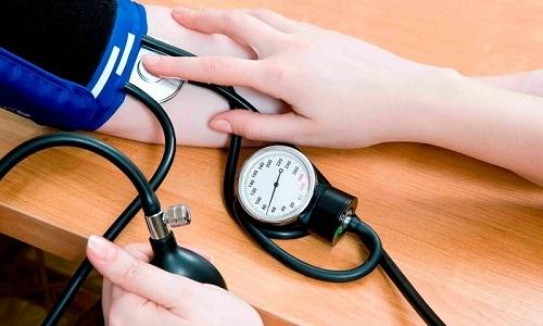 Повышение артериального давления может влиять на сужение мочеиспускательного канала