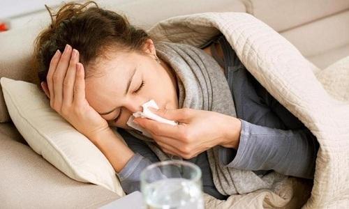Острый цистит может возникнуть под влиянием вируса гриппа