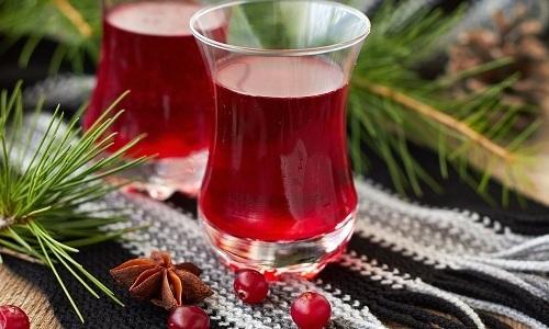 Пить брусничный морс при цистите рекомендуется каждые 2 часа по 1 стакану