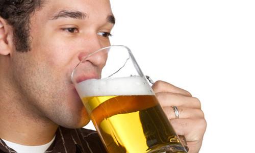 Многие врачи не рекомендуют пить пиво при цистите, поскольку этот продукт не приносит пользу при данном заболевании