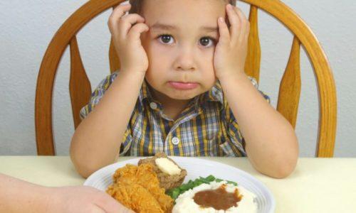 При пиелоцистите у ребенка пропадает аппетит