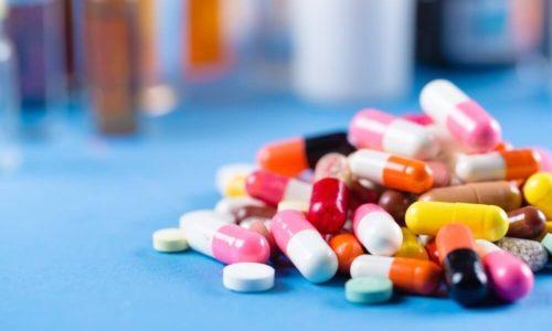 При остром и хроническом течении заболевания применяются медикаменты в форме таблеток для приема внутрь