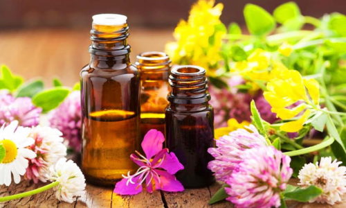 Ванночки при цистите, соединившие в единое целое термотерапию и противовоспалительное действие экстрактов и эфирных масел растений, - давнее домашнее лечебное средство