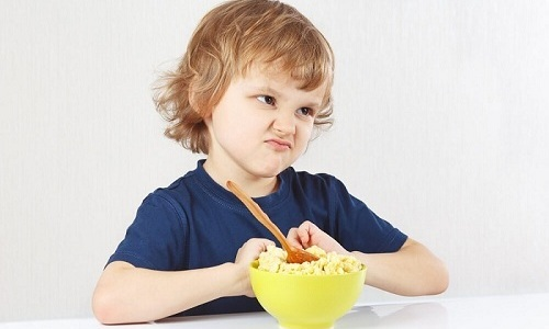 На цистит может указывать потеря аппетита у ребенка