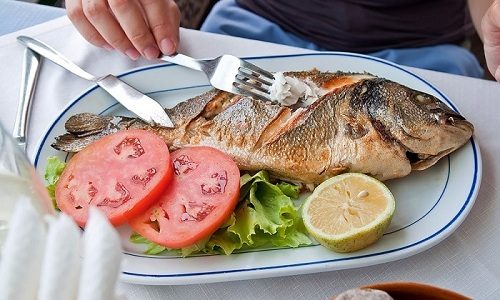 Рыбные продукты питания должны быть сварены или приготовлены на пару