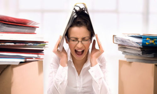 К возникновению цистита приводят стрессовые состояния и переутомление