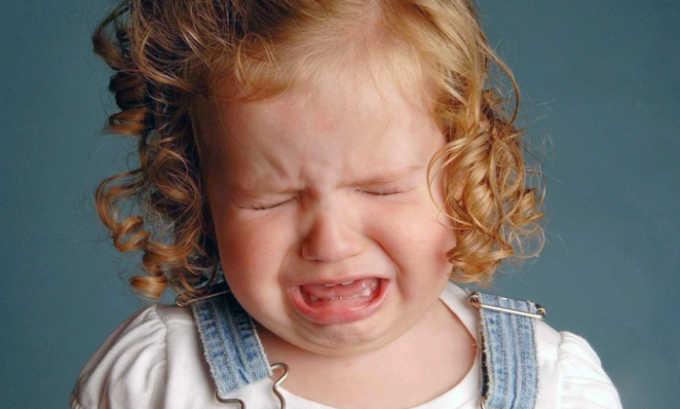 Клиническая картина болезни у малышей включает такой симптом как беспокойное поведение