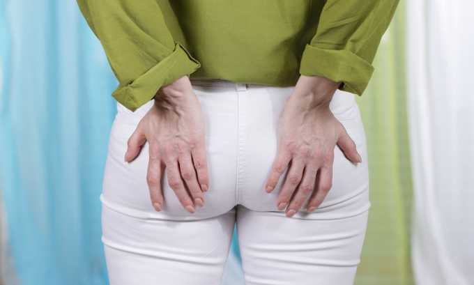 При геморрое благодаря бактерицидному и успокаивающему действию ромашки происходит устранение спазма гладких тканей сосудов