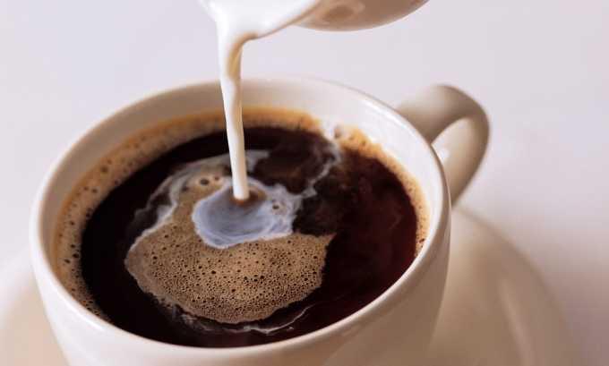 Напиток не должен быть крепким, лучше всего разбавлять его большим количеством молока, которое немного уменьшает раздражающее действие кофеина на слизистую мочевого пузыря