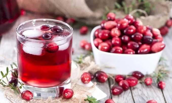 Из ягод клюквы делают морсы и варенья, которые употребляют в неограниченном количестве