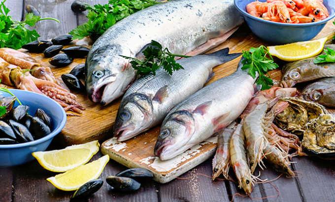 Нежирные виды рыбы можно употреблять при цистите