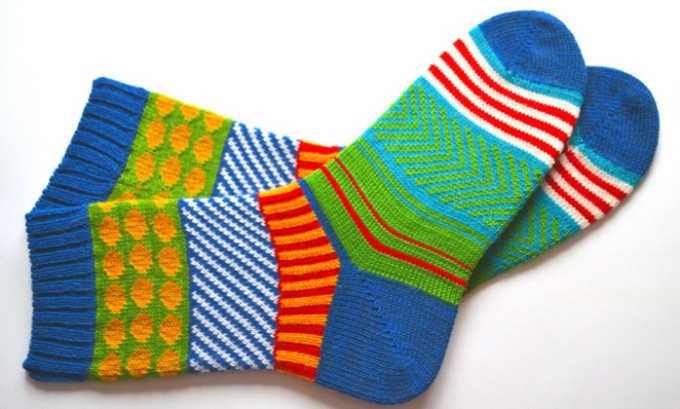 Носки потребуются для проведения манипуляции в домашних условиях