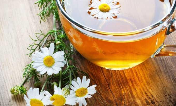 Чай с ромашкой помогает остановить воспалительный процесс, оказывает обеззараживающее действие на мочевой пузырь и мочеточники