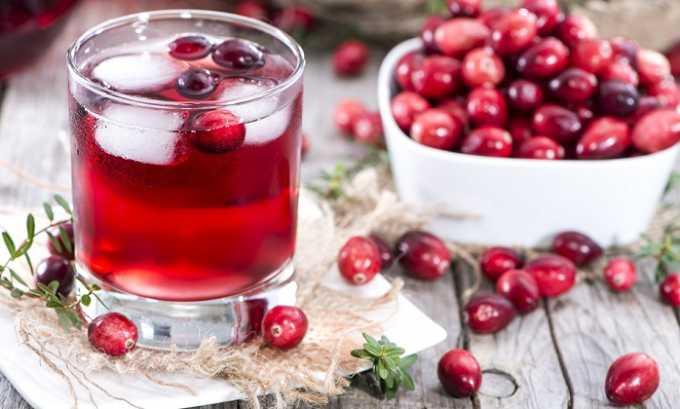 Избавиться от цистита помогают напитки из клюквы