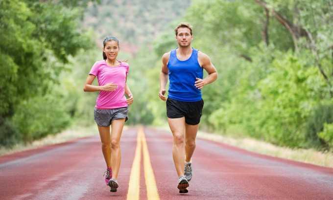 Врачи рекомендуют выполнять по утрам небольшую пробежку