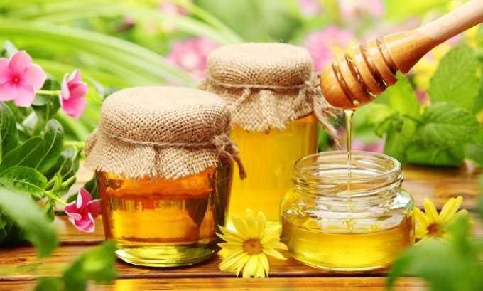 Перед употреблением к чаю из можжевельника можно добавить любой мед