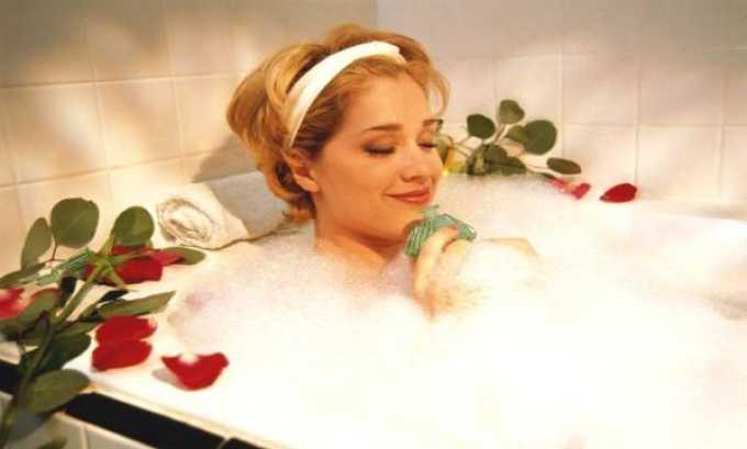 При отсутствии противопоказаний можно принять горячую ванну