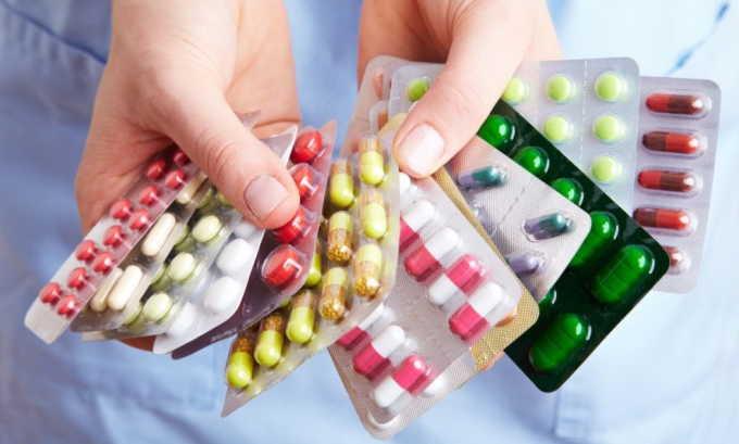 Для усиления терапевтического эффекта при цистите пациенту назначают комплекс витамин и БАДов, которые будут способствовать улучшению кровотока