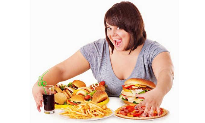Не правильное питание способствует развитию цистита