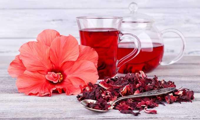 Красный чай обладает выраженным противовоспалительным, антимикробным и мочегонным действиями, укрепляет иммунную систему и может использоваться при лечении цистита