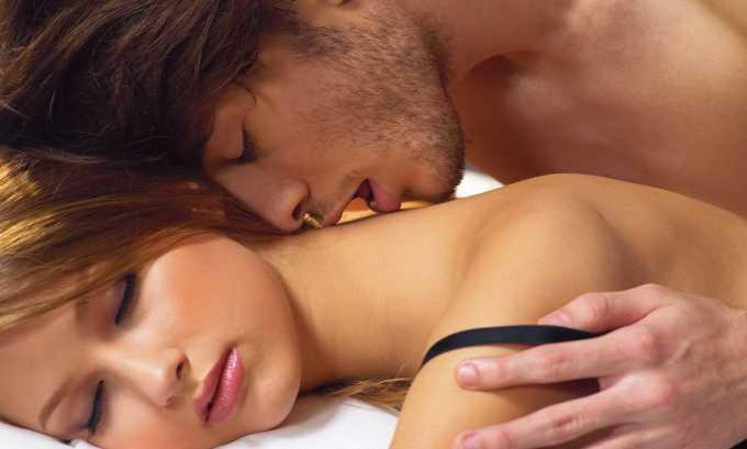 Заражение происходит при незащищенном интимном контакте с носителем герпеса