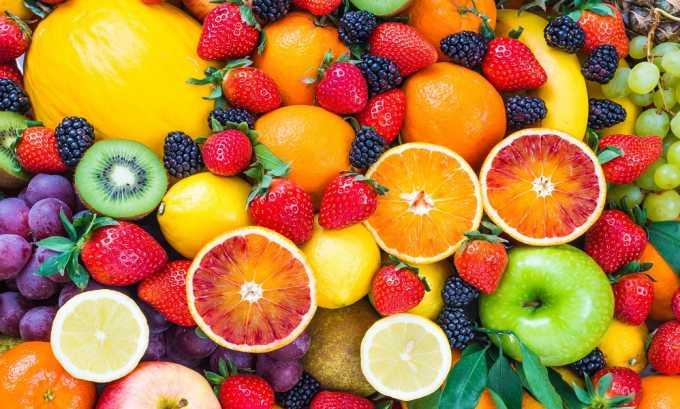 В диетическое меню включают свежие фрукты