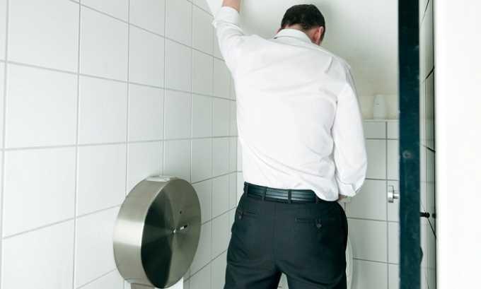 Признаки цистита у мужчины: рези, жжение в уретре; затруднение оттока мочи из мочевого пузыря; учащенные позывы к мочеиспусканию, особенно по ночам; кратковременное облегчение боли после мочеиспускания; недержание урины