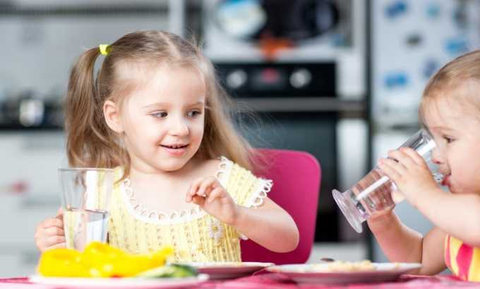 Учащенное мочеиспускание у ребенка может быть из-за употребления большого количества воды