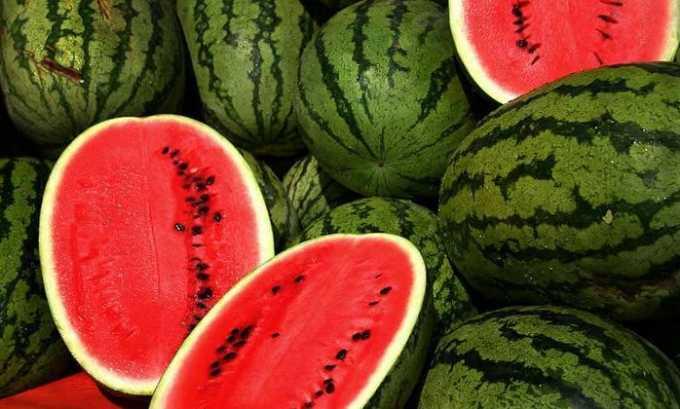 Положительный эффект оказывают фрукты и овощи с мочегонным эффектом