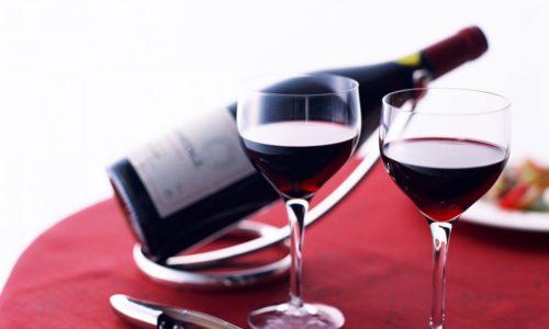 При желании разрешается выпить бокал вина в период выздоровления, когда курс антибактериальной терапии уже пройден