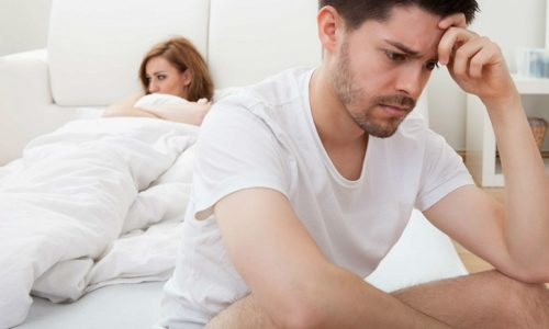 Незащищенные и беспорядочные половые контакты могут стать причиной заболевания. Микробы заносятся в уретру из влагалища или при непосредственном контакте с гениталиями мужчины