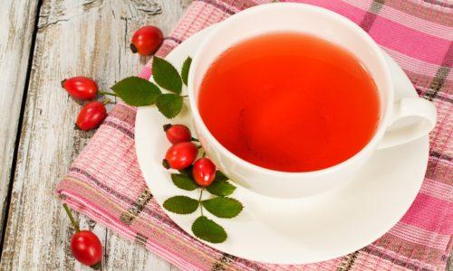 В терапии цистита можно использовать фиточай из ягод шиповника