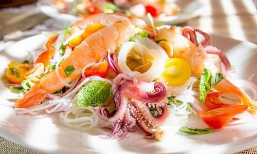 Чтобы облегчить состояние при цистите нужно водить в диетическое меню морепродукты