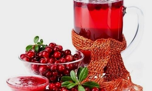 Для быстрейшего лечения цистита рекомендуется пить морс из клюквы