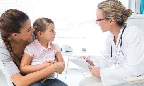 Лечить цистит у ребенка при помощи антибиотиков можно только по назначению педиатра