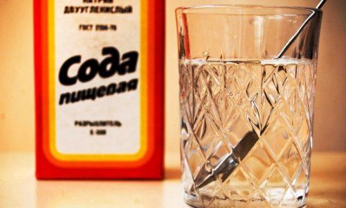 Прием раствора соды быстро помогает облегчить болезненное состояние, испытываемое во время акта мочеиспускания