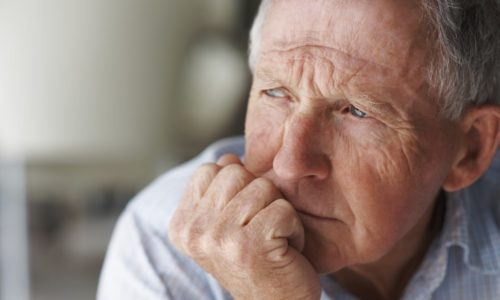 У мужчин заболевание в большинстве случаев возникает в преклонном возрасте