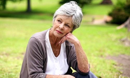 Лейкоплакия диагностируется в преклонном возрасте