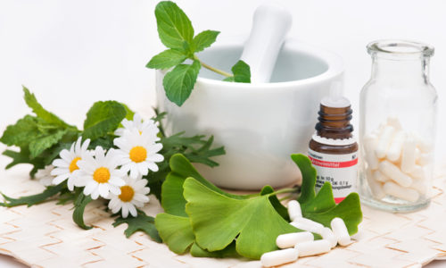 Средства народной медицины на основе лекарственных растений применяются в комплексе с медикаментозными препаратами