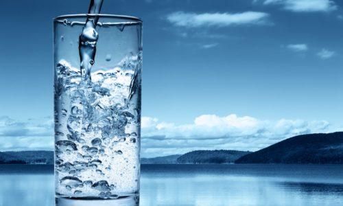 Важную роль в лечение цистита у детей играет потребление достаточного количества жидкости (до 2 л в сутки)
