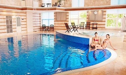 Людей, которые страдают от цистита, интересует можно ли им купаться в бассейне