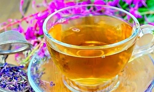 Витамины и минералы, входящие в состав иван-чая, помогают снять воспалительные процессы, поэтому его используют при цистите