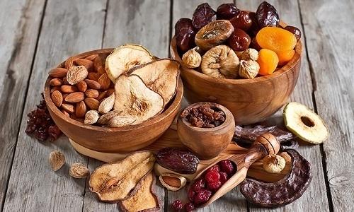 Пользу принесут кисели и компоты, которые лучше всего готовить из сушеных фруктов